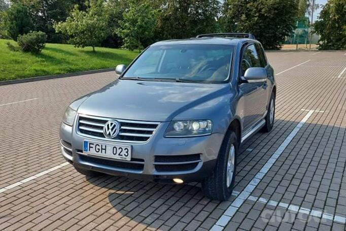 Volkswagen Touareg 1 generation Crossover