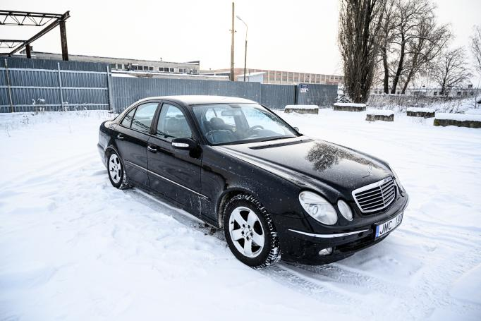 Mercedes-Benz E-Class W211 Sedan