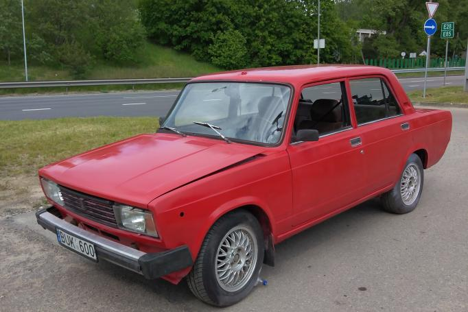 VAZ (Lada) 2105 1 generation Sedan