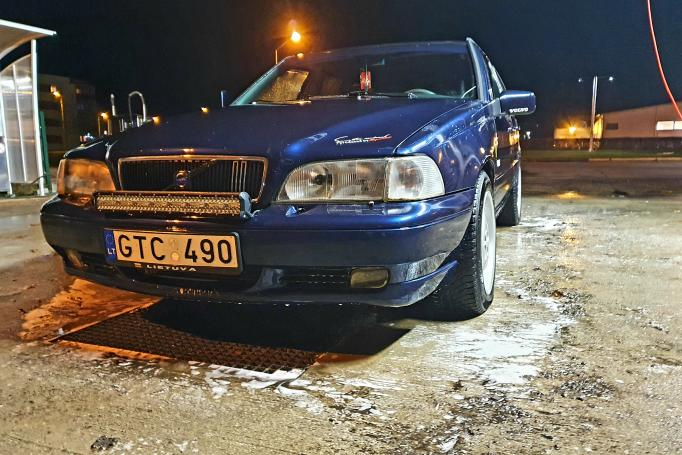 Volvo V70 1 generation wagon