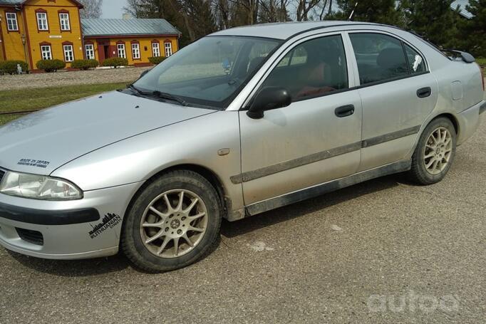 Mitsubishi Carisma 1 generation [restyling] Liftback