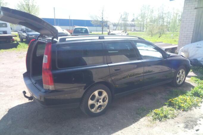 Volvo V70 2 generation R wagon 5-doors