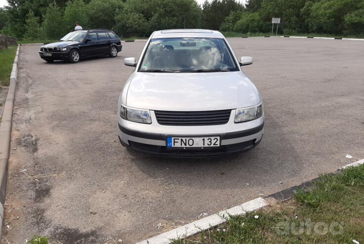 Volkswagen Passat B5 Sedan 4-doors