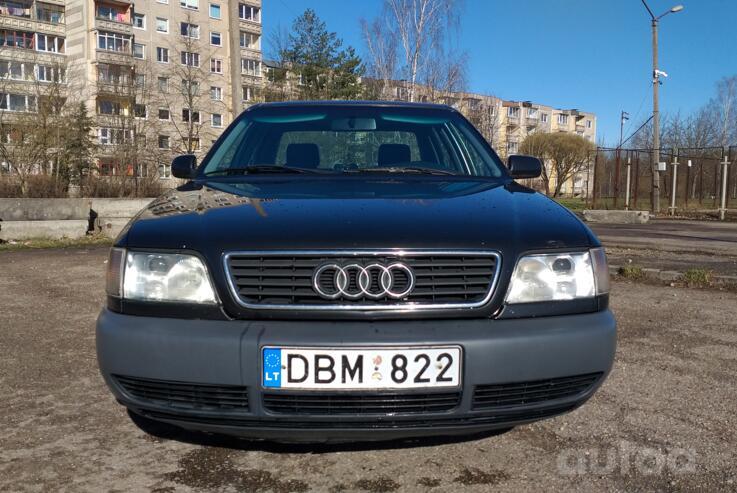 Audi A6 A4/C4 Sedan