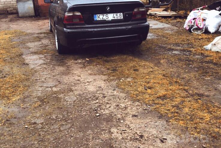 BMW 5 Series E39 Sedan 4-doors