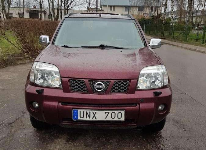 Nissan X-Trail T30 Crossover