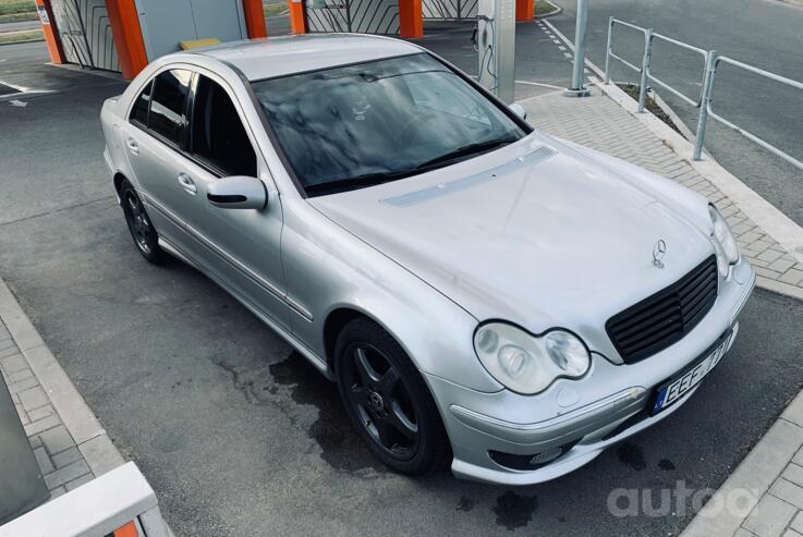 Mercedes-Benz C-Class W203/S203/CL203 Sedan 4-doors