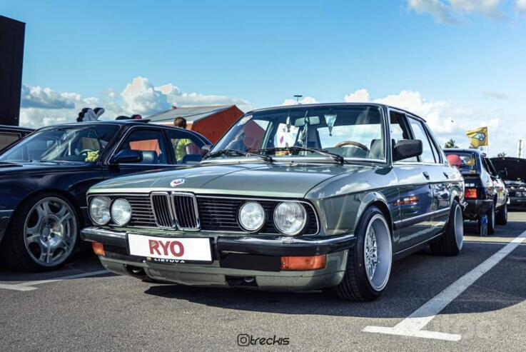 BMW 5 Series E28 Sedan